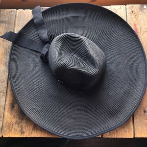 Packable large brim Sunday by Scala
